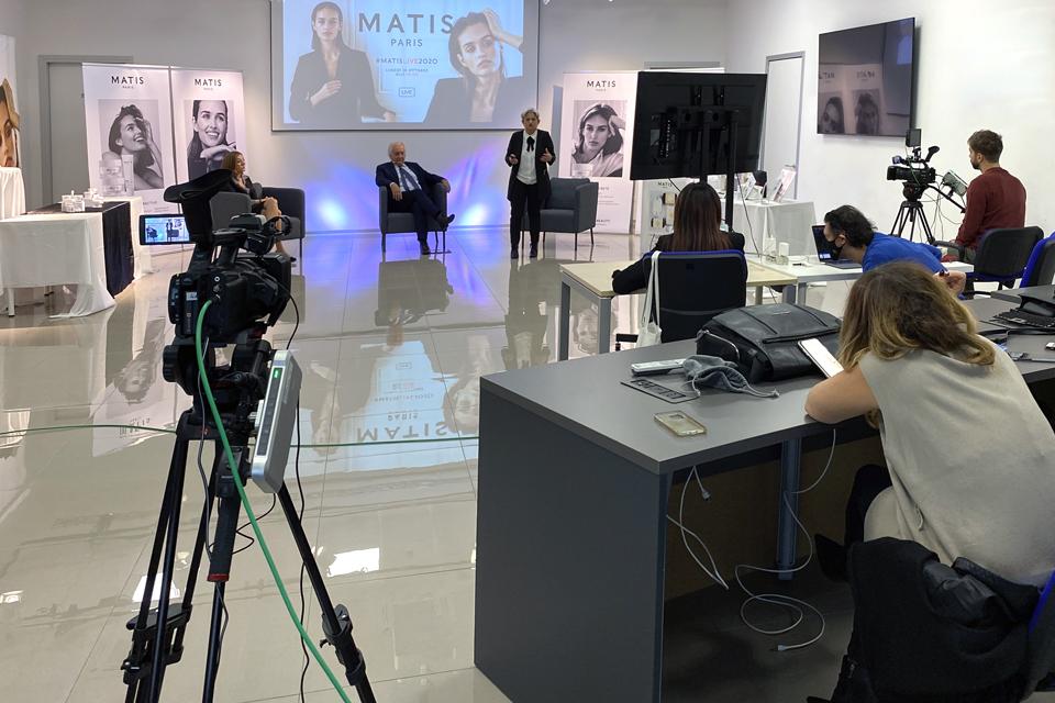 MB-Divisione-Cosmetica-Presentazione-commerciale-in-live-streaming-backstage