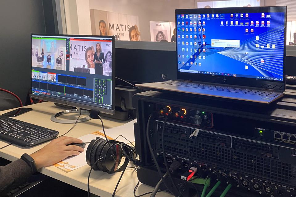 MB-Divisione-Cosmetica-Presentazione-commerciale-in-live-streaming-live-regia