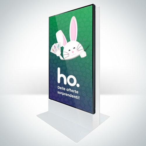 Totem con video Ho. mobile in riproduzione con digital signal